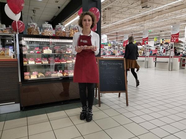degustacja hostessy w markecie